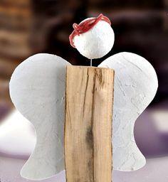 Holzscheit-Engel mit Decoupaste-Flügeln - Weihnachten - Dekoration  Unsere Holzscheit-Engel sind wahnsinnig beliebt bei unseren Usern! In diesem Jahr haben wir weitere Varianten kreiiert, wie Sie aus einem Stück Holz (Kaminholz, Holzscheit oder Baumstamm) diese äßerst dekorativen Engel basteln können!
