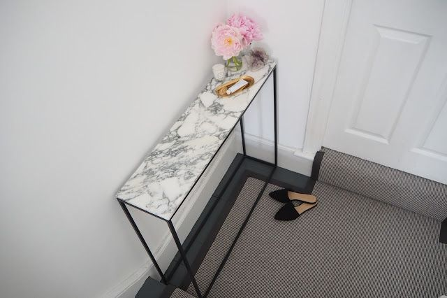 The Frugality: Interiors: Hallway (la redoute table, hay tray)