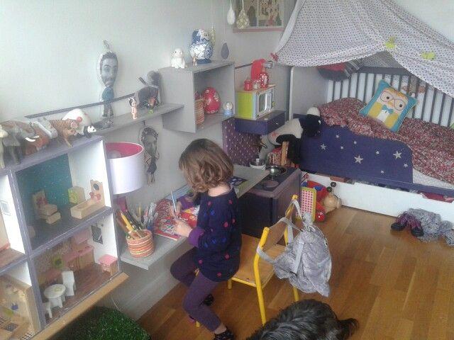 Chambre de nounette homemade ( maison de poupée , cuisine de dinette , bureau ciel de lit, barrière de lit)