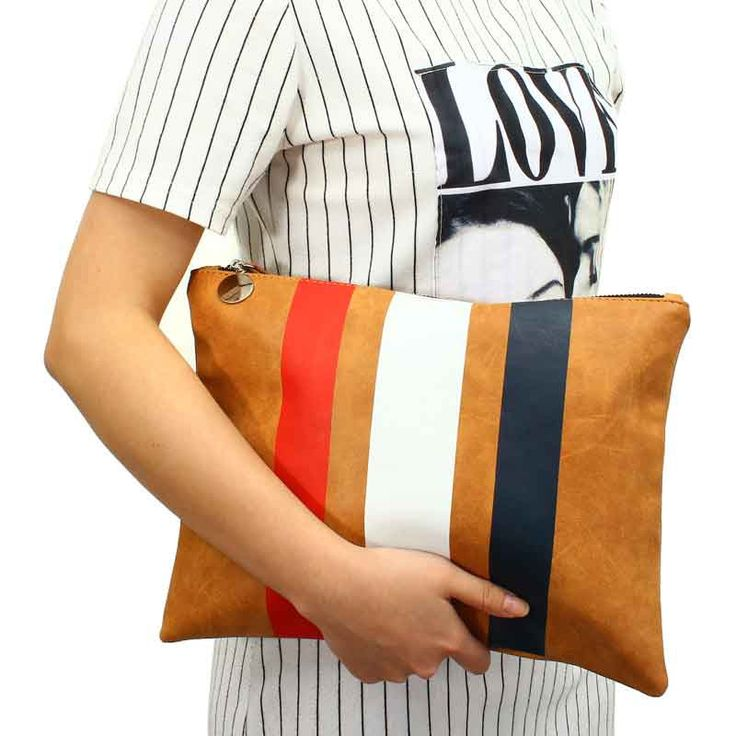Casual Day Clutch //Price: $16.30 & FREE Shipping // #purse #backpack #bagsdesigns