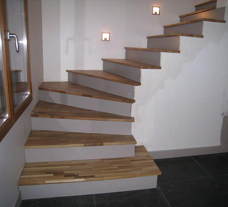 Stick Wooden Step On Concrete Stair Habillage Escalier Interieurs En Beton Deco Escalier