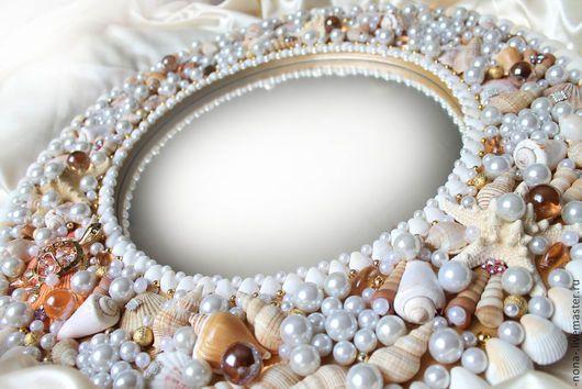 Возможно выполнение ПО МОТИВАМ зеркала в раме Морская жемчужница!  Материалы заказываются непосредственно под определенный заказ, возможны изменения, новые детали, но общий стиль сохраняется!