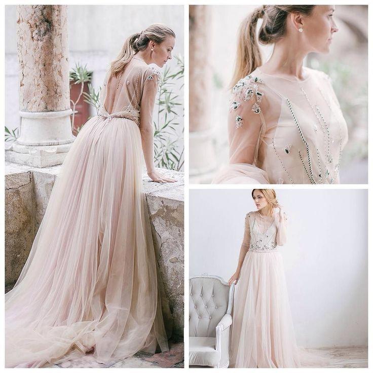 #Платье дня. Rara Avis @ae_ra_dresses Wedding Bloom Palymas в @svadbaveka #bridemagru #svadbasalecom @svadbasalecom #свадебноеплатье #невеста #свадьба #pinc #white #dress #weddingdress #bride #wedding