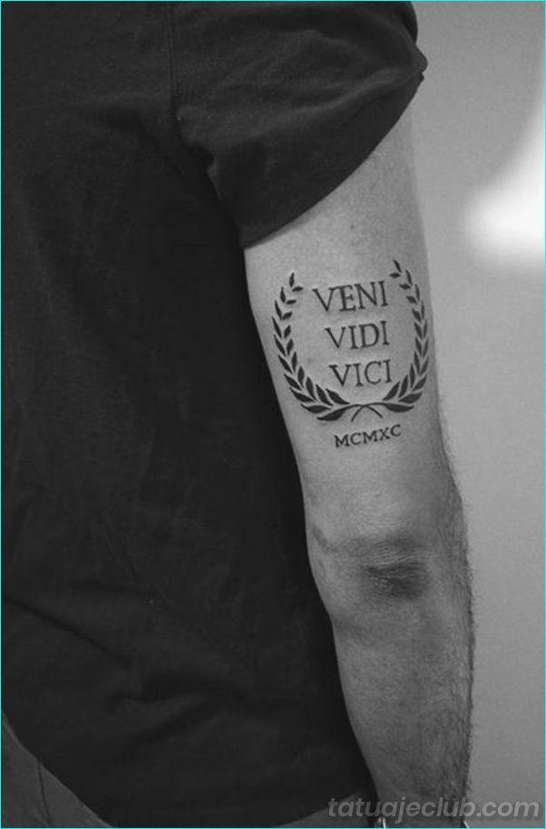 40 Disenos De Tatuajes Pequenos Para Hombres Con Significados Profundos Hombre Tatuaje Pequeno Para Hombre Pequenos Disenos De Tatuajes Tatuajes Para Hombres