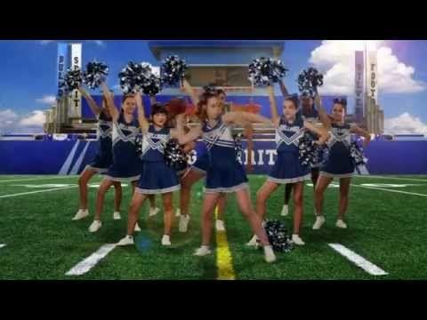 Bella and the Bulldogs - One of the Boys - Abertura [Opening Theme] [LEGENDADO] - YouTube