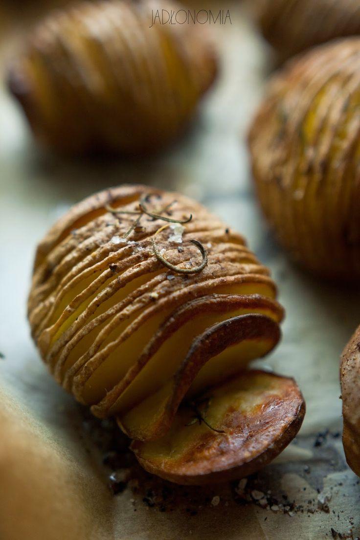 jadłonomia · roślinne przepisy: Ziemniaki Hasselback