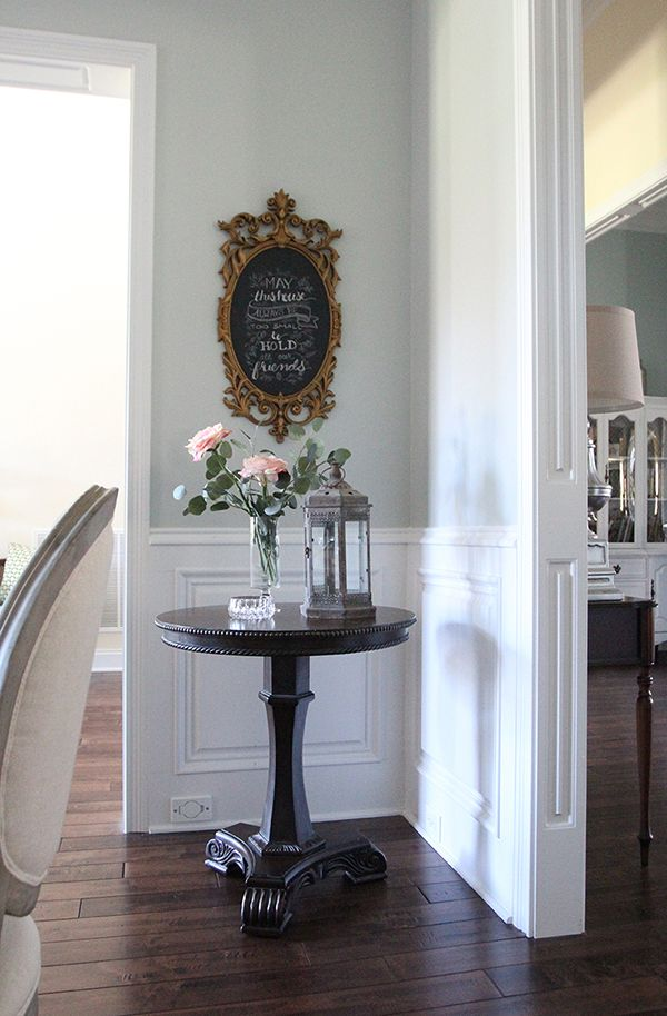 Chalk Painted Pedestal Table Makeover