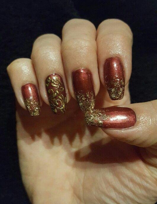#christmas #nailart #scarlet #gold