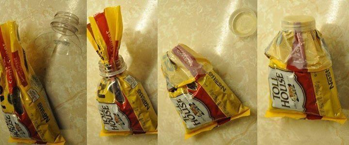 Chiudere i pacchi senza mollette si può: taglia il collo di una bottiglia, passaci dentro il sacchetto, ripiegalo all'esterno e chiudi con il tappo.