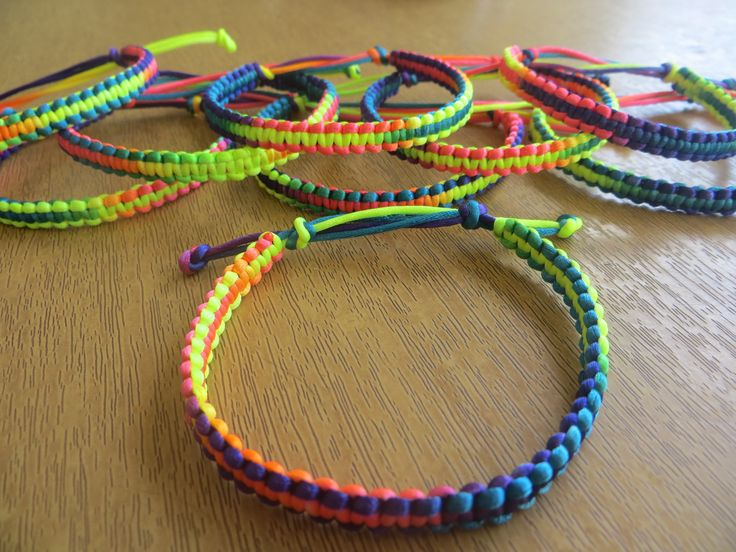 Our manufacturers make rope bracelet latest creations we made professionally in his field, please see the collections or chat with us to order