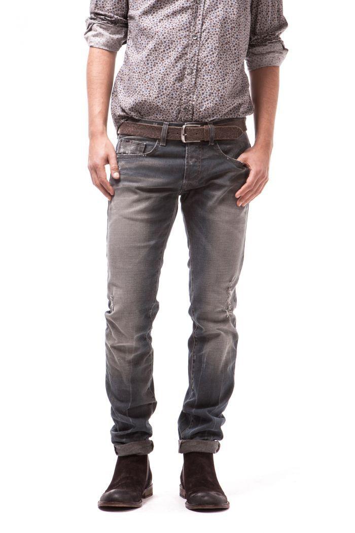Anders Genuine 5-pocket with clean slim fit.