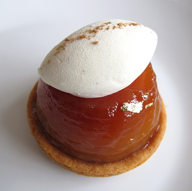 mini Tarte tatin with slated caramel butter filling Shut the front door - must figure out how to make