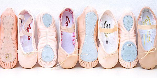 Oryantâl Dans önce kişinin ruhsal dengesini düzeltip, özgüven kazandırıyor ve kendini olduğu gibi sevmeyi öğretiyor. Kişi vücut yapısı, kilosu ve yaşı ne olursa olsun oryantâl dans yaptığında kadın olmaktan gurur duymayı, kendini çekici hissetmeyi ve aynı zamanda zarif hareket etmeyi öğrenebilir. http://www.meraklisiicin.com/tiyatro-kurslari/donusum-atolyesi/oryantal-dans-atolyesi