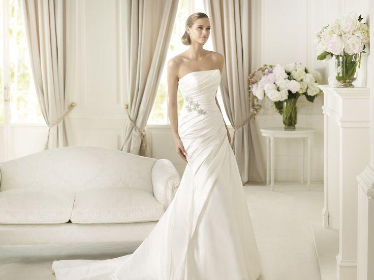 Daina - Pronovias - Esküvői ruhák - Ananász Szalon - esküvői, menyasszonyi és alkalmi ruhaszalon Budapesten