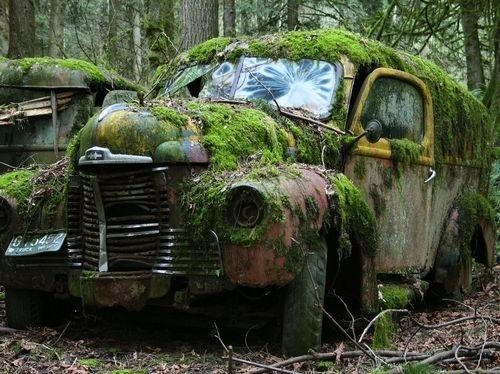 17 best ideas about abandoned cars on pinterest abandoned abandoned places and abandoned houses. Black Bedroom Furniture Sets. Home Design Ideas