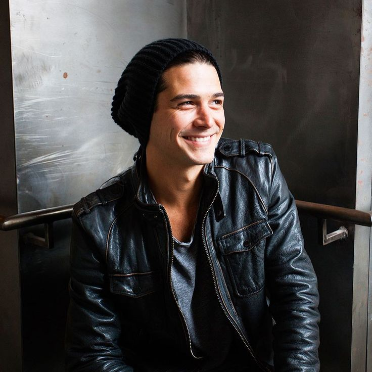 Wells Adams -- 5 things to know about the bachelor appearing on Season 4 of Bachelor in Paradise. Wells Adams -- 5 things to know about the 'Bachelor in Paradise' bartender #BachelorinParadise #BiP