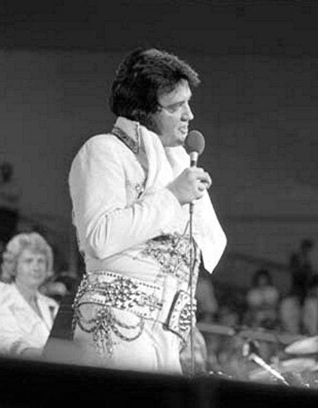 Elvis in concert June 1977 , for the CBS TV special ( Elvis in concert )