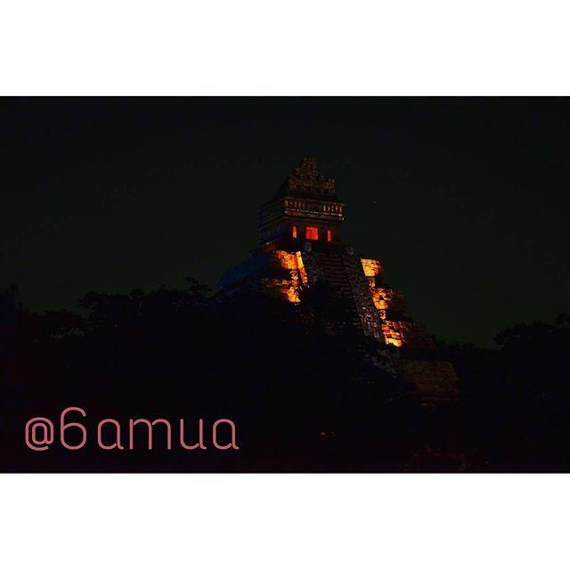 Instagram【6amua】さんの写真をピンしています。 《#disneysea #disney #scenery #nikon #d5100 #ディズニーシー #景色 #ニコン  #夜景  本物の炎が綺麗だった♡》