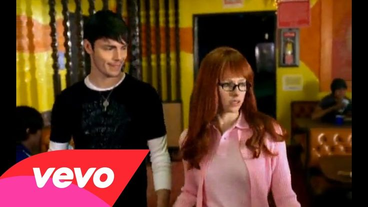Avril Lavigne - Girlfriend Blake I know I have NEVER met your girlfriend but i hate her because she has YOU