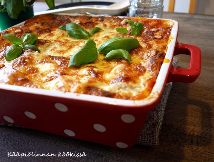 Kääpiölinnan köökissä: Maukas kasvislasagne raejuuston ja mozzarellan kera