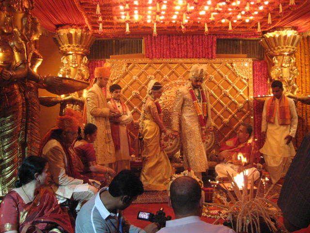 Aishwarya Rai and Abhishek Bachan wedding pictures ...
