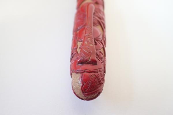 未使用品 堆朱 万年筆 吉甫作 彫漆泉筆 ペン先14K 共箱有り 獅子舞 猫 馬 鳥 管FKI05079JM_画像4