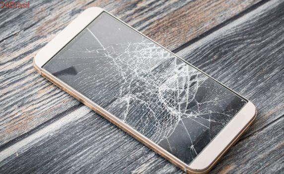 Quem nunca?: Celular com tela quebrada pode ser uma má ideia; entenda