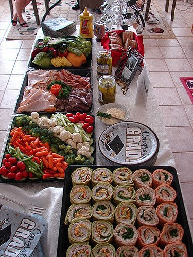 https://flic.kr/p/6vs8ex | Food at Graduation 2009 | Food from my High School Graduation party 2009. It was so delicious, I can't even believe it. These are the days I wish I had more control over my camera.