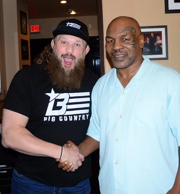 "UFC Fighter ""Big Country"" Roy Nelson Attends Mike Tyson's ""Undisputed Truth – Round 2"" at MGM Grand Las Vegas"