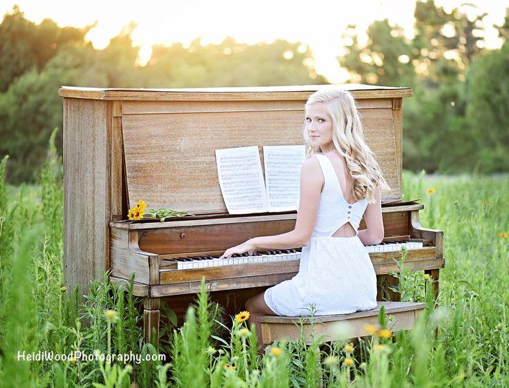 Senior Pictures Clayton NC #heidiwoodphotography #claytonnc #claytonhighschool…