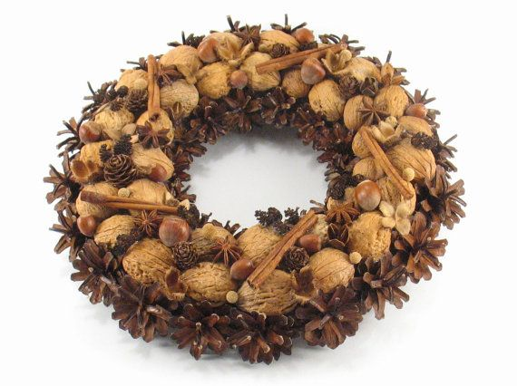 Natural Wreath Christmas Wreath Nuts & Pinecones by ZielonePalce