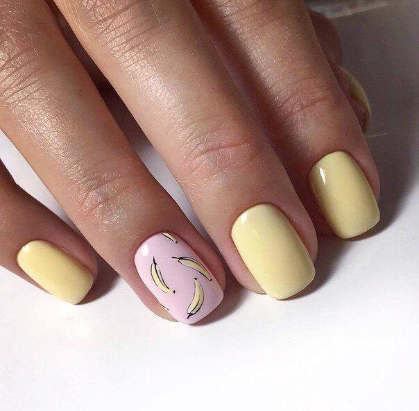 Маникюр с лаком желтого и розового цвета