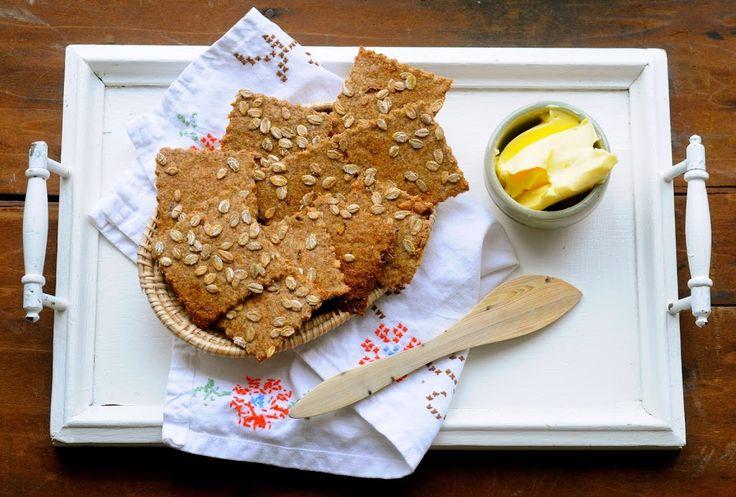 Jeg elsker at bage mine egne kiks, og det er faktisk ikke så tidskrævende, som man måske skulle tro. Dejen til de her rugkiks lavede jeg på en halv time. Mine rugkiks er ret tynde og sprøde, så de minder meget om knækbrød, og er helt perfekte sammen med ost eller som et mellemmåltid med...Read More »