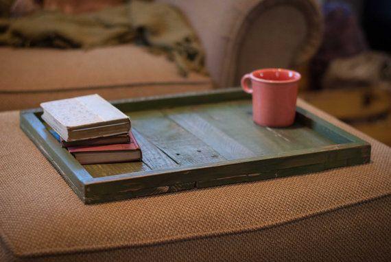La main plateau Ottoman rustique / cadeau de table par ReformedWood