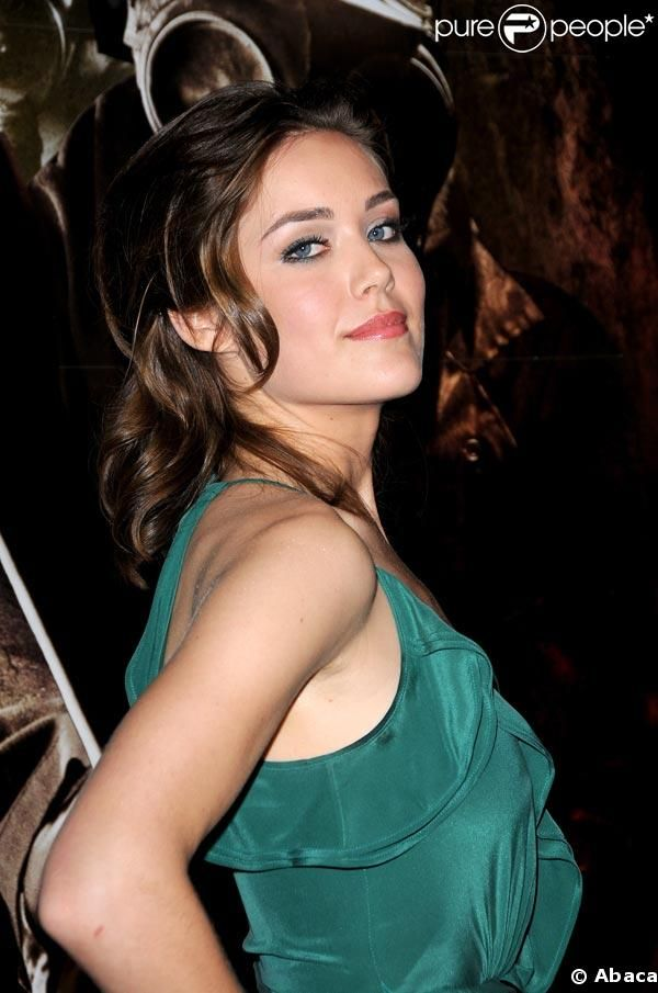 It has been a pleasure seeing Megan Boone grow with each episode of The Blacklist. Description from vebidoo.com. I searched for this on bing.com/images