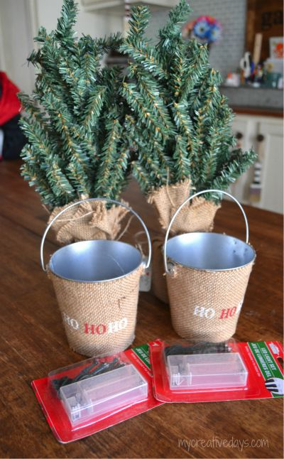 18 Days 'Til Christmas: DIY Desktop Christmas Trees