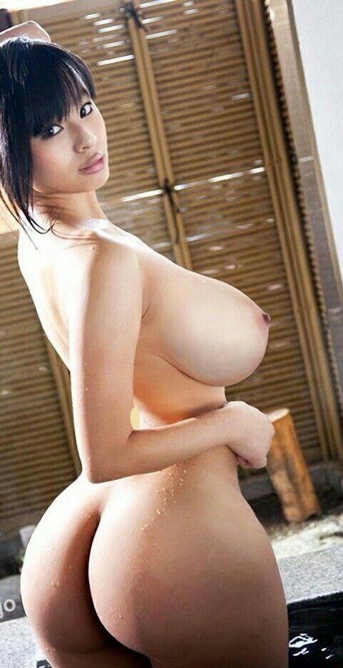 Breasted mujer desnuda grande