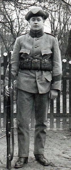 Uniformer vid den svenska armén - 1900-tal