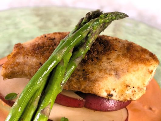 Roy's Macadamia Nut Crusted Mahi Mahi with Lobster Cream Sauce Recipe. I found what I had for dinner at Roys!!!!!! I loved my meal! Going to try it this weekend :)