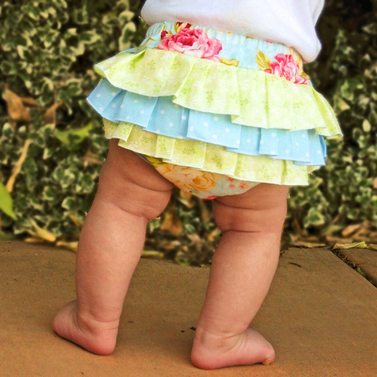 How to Sew Fancy Ruffled Diaper Covers (great baby shower gifts!)