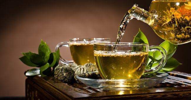 Le tisane più adatte contro i sintomi del raffreddore e dell'influenza. Ecco quali sono le migliori.