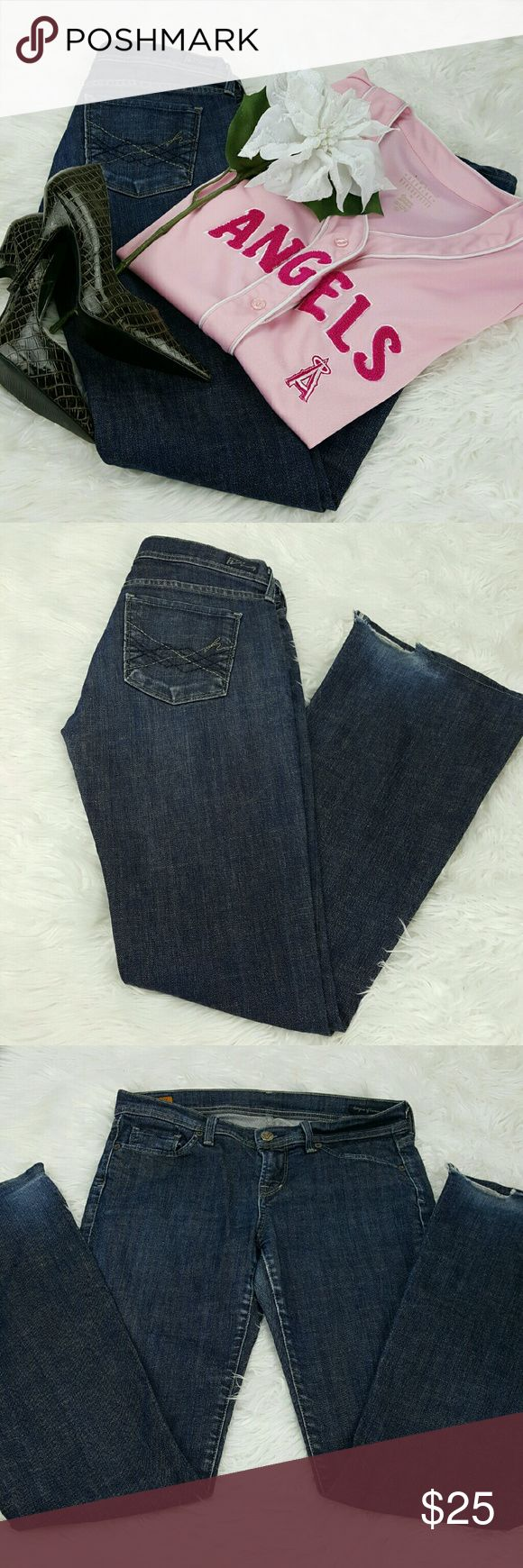 """💞SALE💞 Citizens of Humanity Anniversary Premium Awesome Citizens of Humanity Anniversary Premium 33"""" Inseam 8"""" Rise 16"""" across the front laying flat 98% Cotton 2% Elastin some wear on cuff see photo plenty of hemming room if 33"""" Inseam isn't needed price reflects Citizens of Humanity Jeans"""