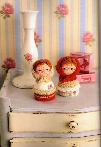 FREE Amigurumi Matryoshka Nesting Doll Crochet Pattern and Tutorial (click on right arrow to get to free chart)