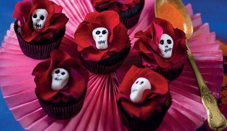 Velvety chocolate rose cupcakes