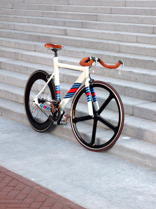 Leader LD 735TT (Custom Martini Racing Paint) on Bike Showcase