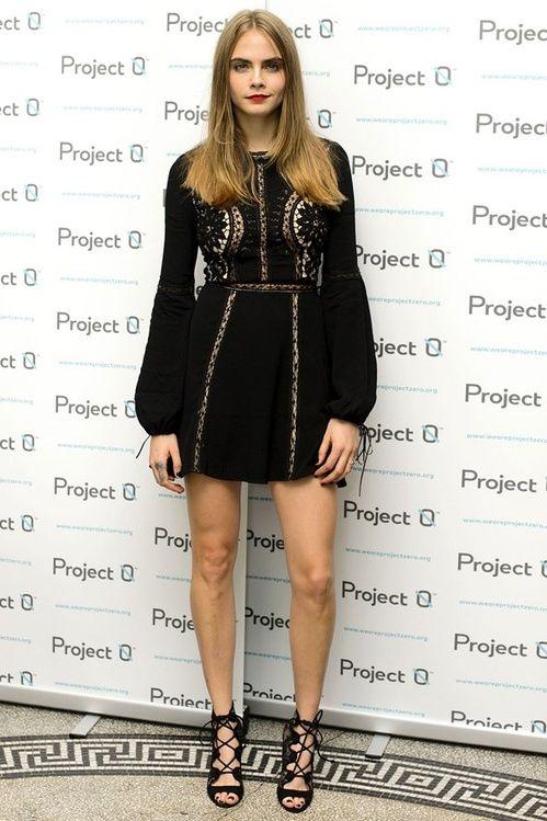 Cara Delevingne en robe For Love and Lemons au concert de charité Wave Makers à Londres