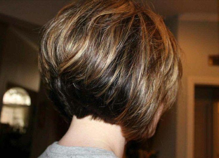 40 Timeless Classic Unter den Bob-Frisuren für Frauen Short Bob ist ein klassischer Haarschnitt, den jede Frau mindestens einmal im Leben ausprobieren sollte. Der Grund…