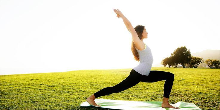 """¡Hola a todos! ¿Sabéis que el yoga ayuda a superar enfermedades? Hoy en el 97e aniversario de BKS Iyengar: """"El hombre que se propuso cerrar las farmacias con el yoga""""  Aquí os dejamos un artículo de ABC sobre este tema http://www.abc.es/…/abci-historia-iyengar-o-como-yoga-puede…"""