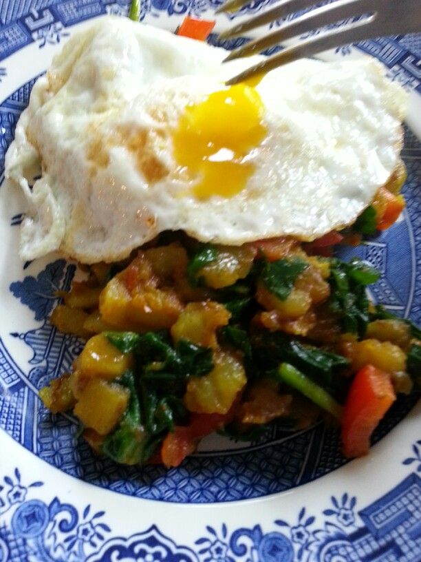 spinach potatoes with a fried egg | Food & Drink | Pinterest | Fried ...
