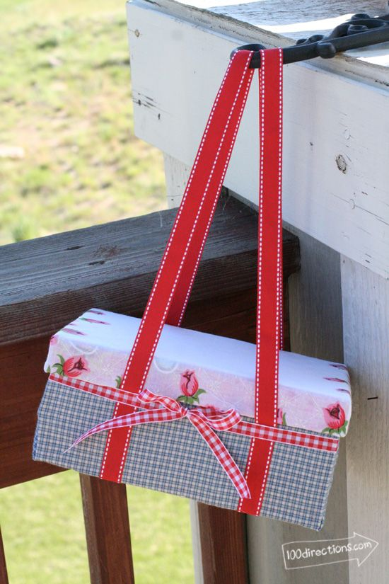Make your own picnic basket from a shoebox with ribbon handles